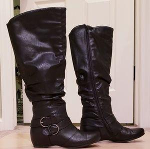 "Baretraps ""Striking"" Black Wedge Boots, Size 5.5"